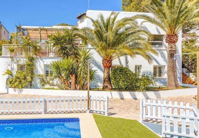 Ferienhaus in Palma  - M4R Villa Bellver, Palma